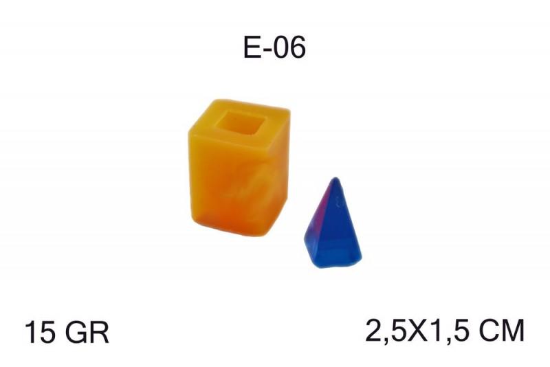 Kimyacınız - Piramit Epoksi Silikon Kalıp E-06